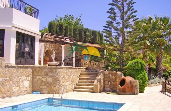 For Sale 296m² Villa in Paphos