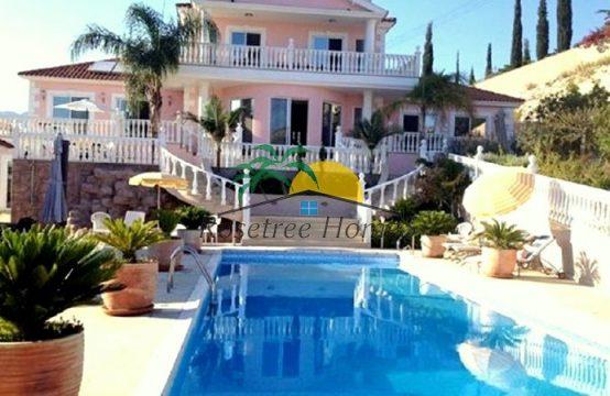 For Sale 578m² Villa in Limassol