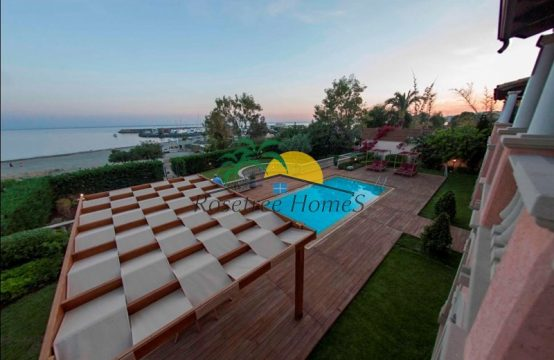 For Sale 743m² Villa in Limassol
