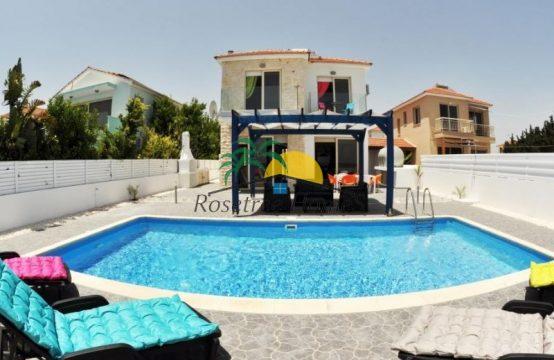 For Sale 191 sq.m. Villa from Mazotos