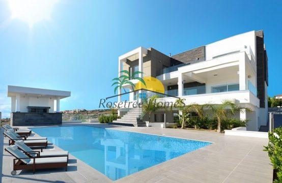 For Sale 749m² Villa in Limassol