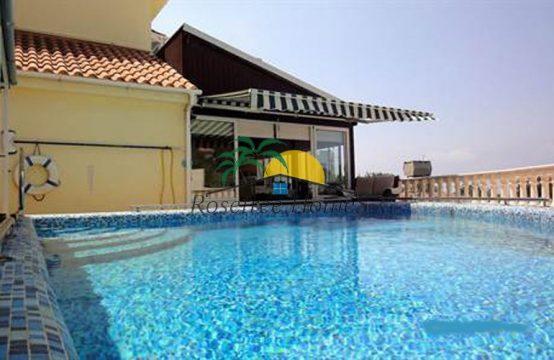 For Sale 200m² Villa in Paphos