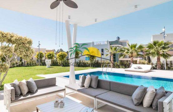 For Sale 170m² Villa in Limassol