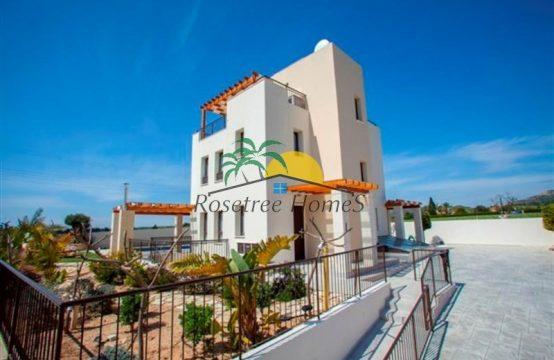 For Sale 0m² Villa in Larnaka