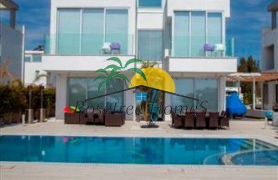 For Sale 244m² Villa in Larnaka