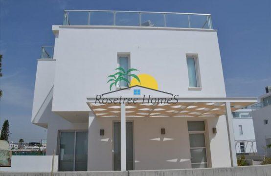 For Sale 275m² Villa in Larnaka