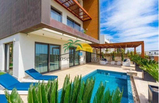 For Sale 520m² Villa in Limassol