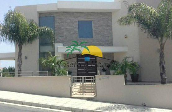 For Sale 250m² Villa in Limassol