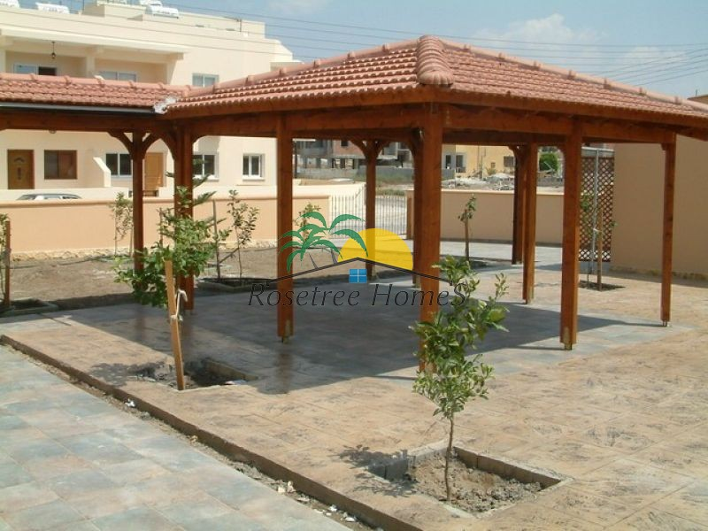 For rent Villa in Oroklini: Price from 1800€/per month